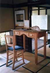 A replica of Hearn's desk stands in for the original, now in the Lafcadio Hearn Museum building.